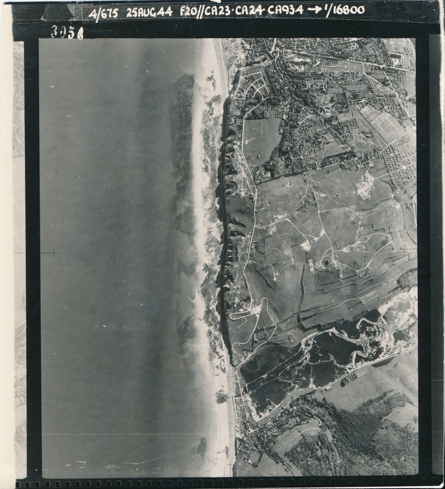 3056 - 25 Aug 1944 -Aerial View of Dieppe