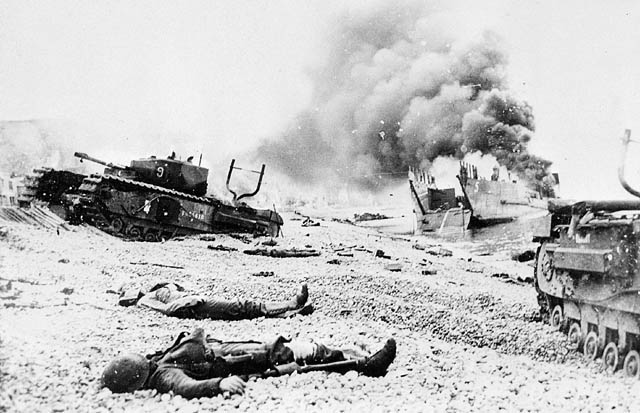 Bodies_of_Canadian_soldiers_-_Dieppe_Raid