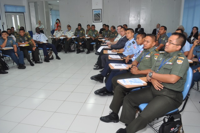 Officers and civilians from nine countries participating in a workshop on civil military relations and cooperation in disaster assistance and humanitarian response, at Sentul, Indonesia, 25-31 January 2014.  The course was co-hosted by Indonesia and Canada. (Photograph provided by hosts)