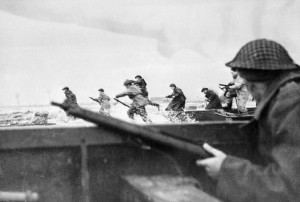Juno-Beach-Canadian-Soldiers-300x202